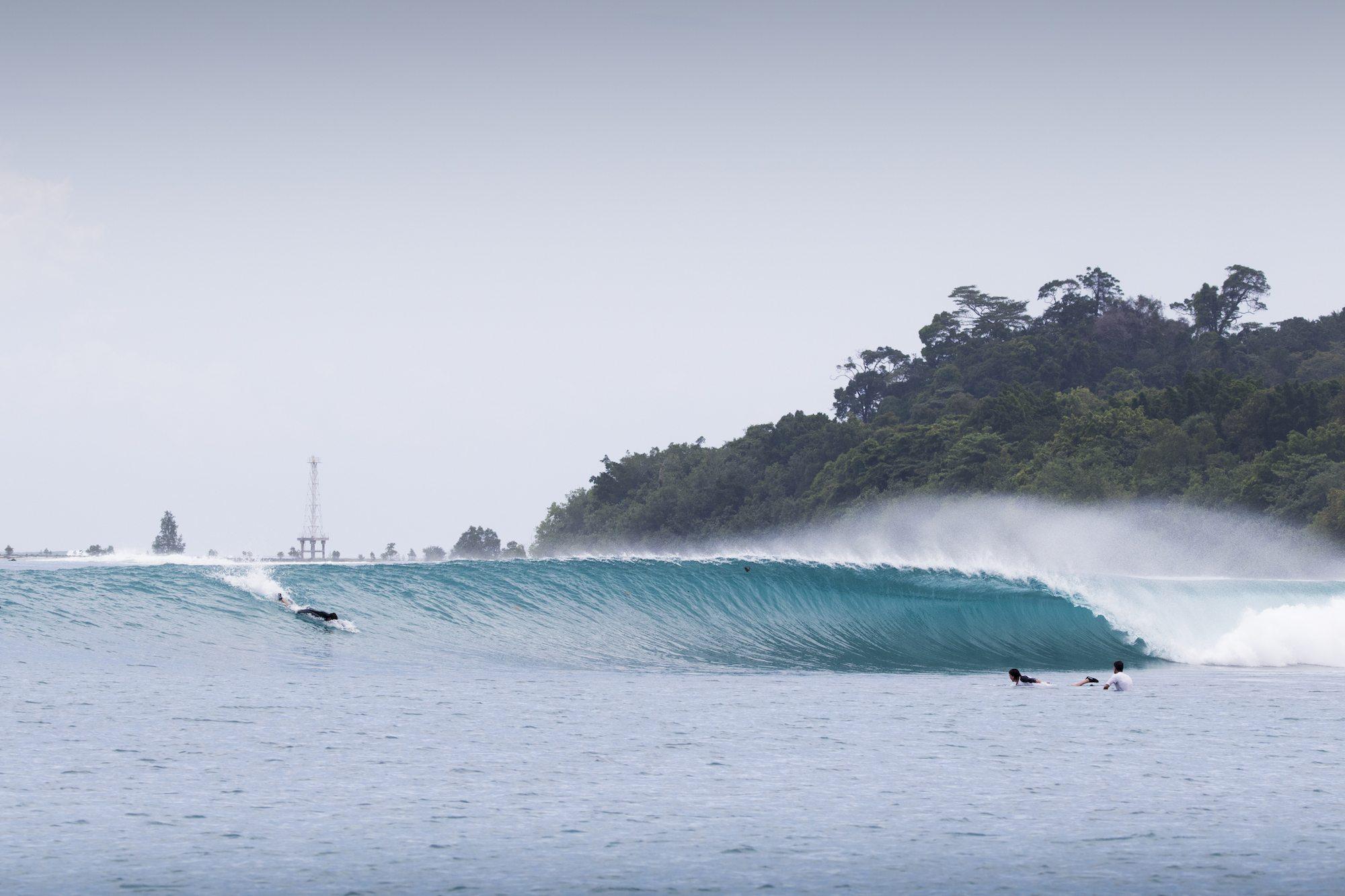 small dumper wave, surf banyak