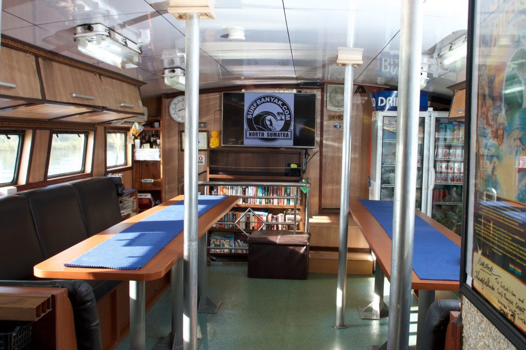 saloon of surf banyak, surf, Surf charters,